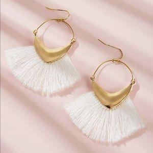 🎁 GR8 GIFT 🎁 White + Gold Tassel Earrings